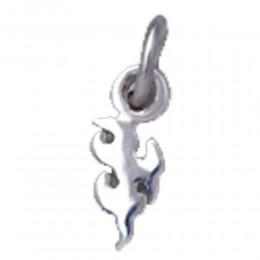Nagelpiercing mit Silber Design