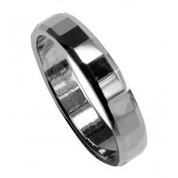 Ring aus Wolfram mit abgeflachten Rändern